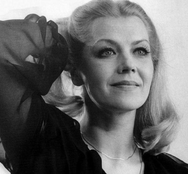 Не унаследовала её красоты: как выглядит дочь самой красивой актрисы СССР Лилиты Озолини