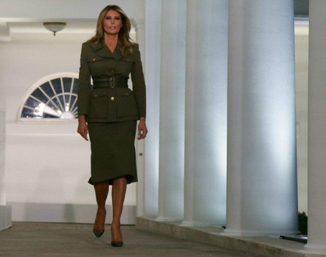 В топку! Мелания Трамп и ее провальные наряды за последние десять лет