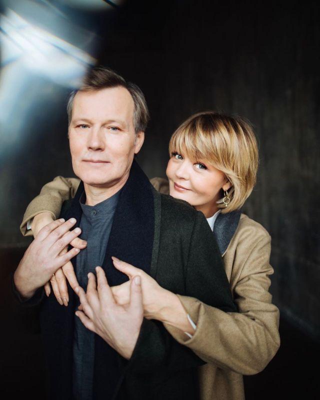 """""""Мой!"""" - Юлия Меньшова показала редкое романтическое фото со своим мужем"""