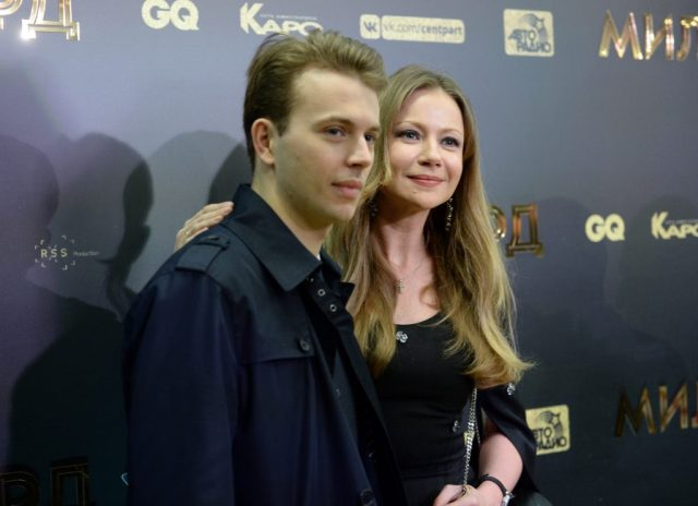 Гармоничная пара. 28-летний внук Миронова показал возлюбленную с которой уже 10 лет