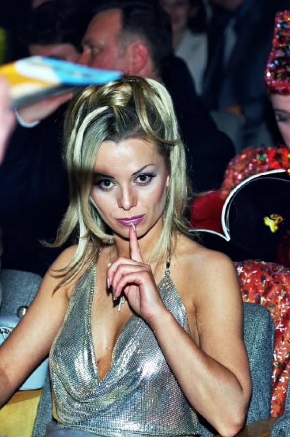 Буйство красок. Какой макияж делали в 90-х российские певицы