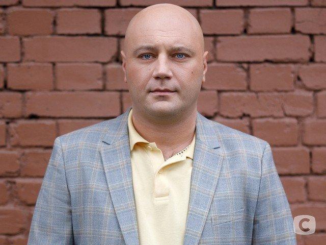 Обаятельный человек. Красавица - жена и судьба Дмитрия Суржикова