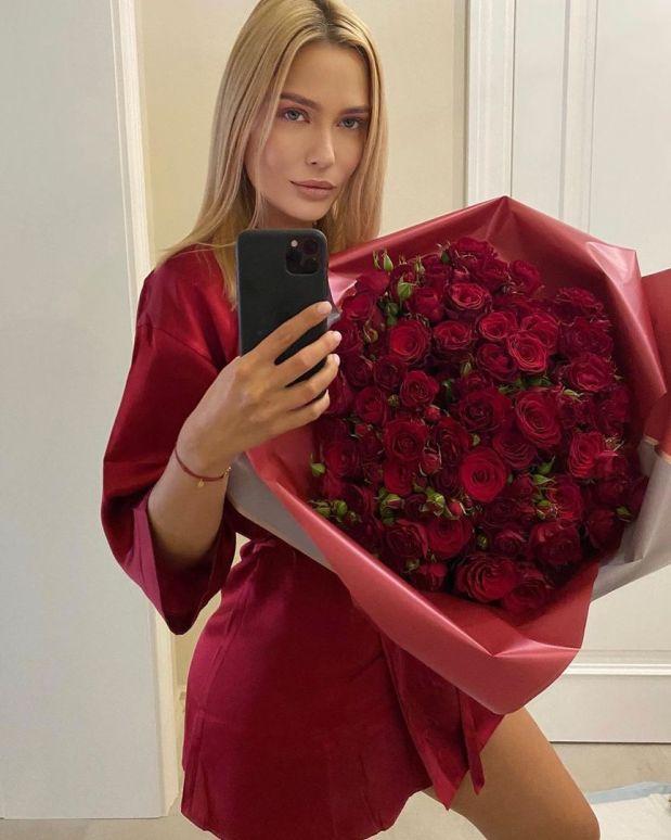 Лучше бы ничего не надевала. 38-летняя Рудова нарвалась на критику в сети