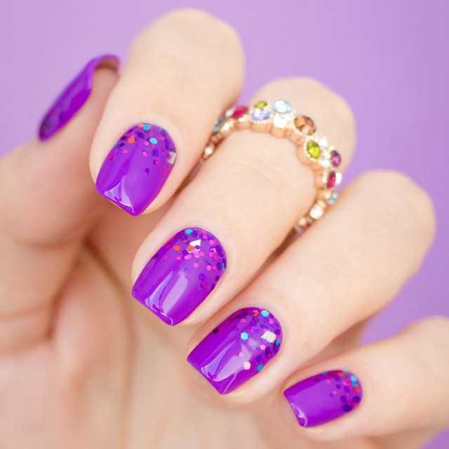 дизайн ногтей с ромбиками 1