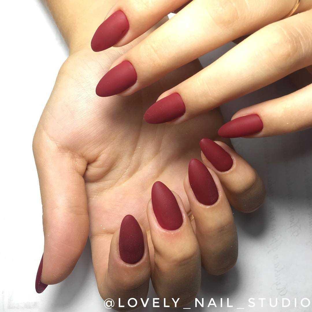 дизайн ногтей красный матовый 6