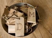 Llaveros de madera con tus iniciales