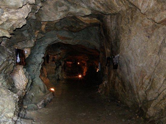 Εικόνα από τον χώρο της έκθεσης στο εσωτερικό του ορύγματος