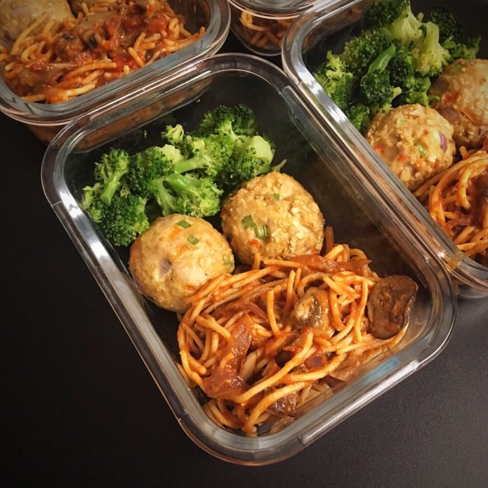 New Week, New Prep: Chickpea Spaghetti with Mushrooms and Onions in a Red Sauce, with Turkey Meatballs, and Broccoli