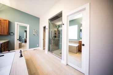 How to Choose a Paint Color in Your Bathroom