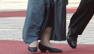 Calcetines, con pantalones; pantys con vestidos