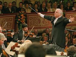 Daniel Baremboim dirige el concierto en 2009