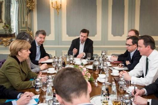 Desayuno de trabajo de la Sra. Merkel y el Sr. Cameron