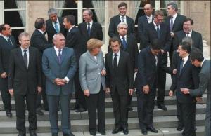 1ºs ministros y presis de la UE + GB en Paris oct 2008