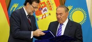 El presidente kazajo entrega a Rajoy expedientes de españoles deportados a Siberia