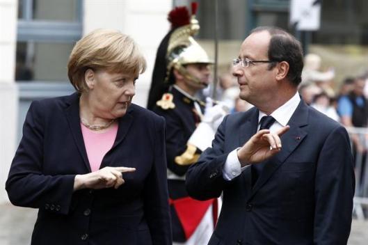 Angela Merkel y Francois Hollande: encuentro  París en 2012. Fot AFP