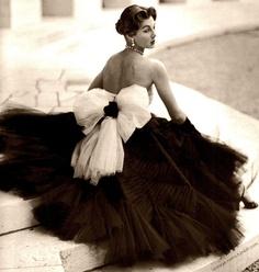 cóctel femenino años 50