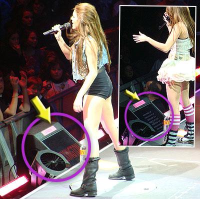 Miley Cyrus y un autocue