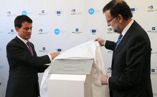 Valls y Rajoy inauguraciñon conexión eléctrica feb 15
