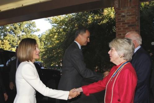 saludo de Bárbara Lucas, regente de la Asociación Mount Vernon
