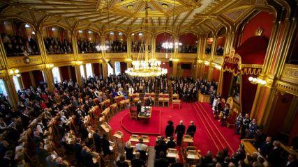 Reyes de Noruega apertura parlamento