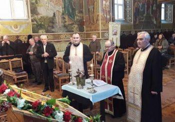 """Seară de rugăciune la Biserica """"Sf. Arhangheli Mihail și Gavriil"""" din Dej"""