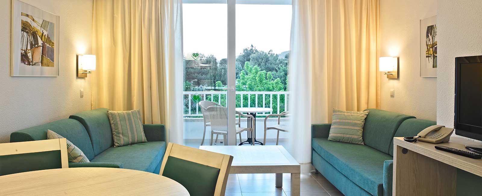 Rooms Amp Apartments Protur Safari Park Aparthotel Sa Coma