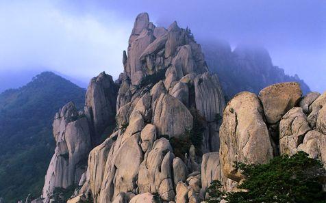 ??? ???? (Ulsan Rock in Sorak Mountains)