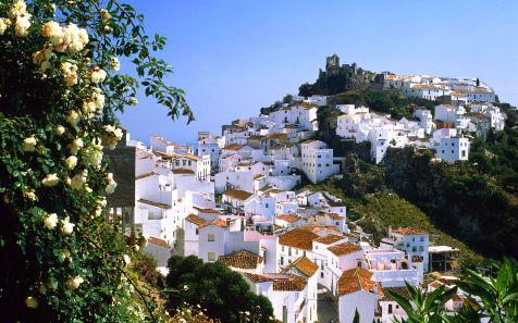 Casas en la montaña del pueblo de Casares, Malaga (Mountain vill