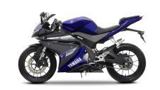 2014-Yamaha-YZF-R125-EU-Race-Blu-Studio-006