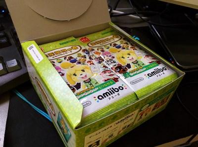 一整盒內有50卡包