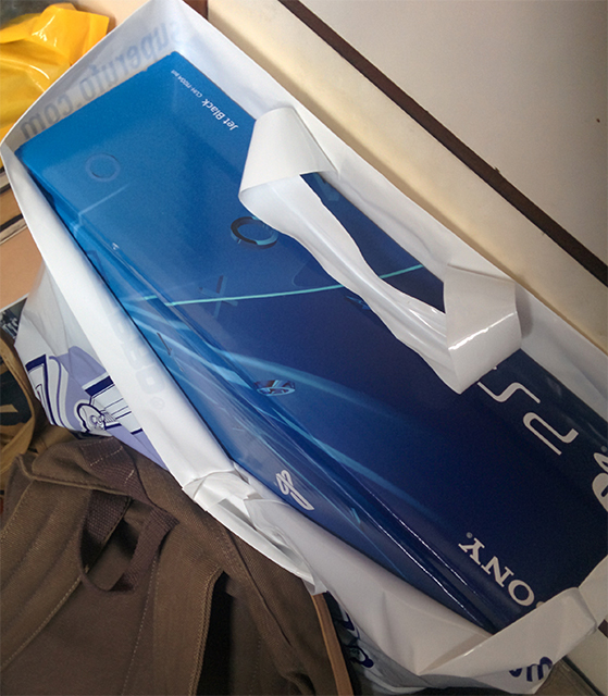 PlayStation 4 終於入手了!