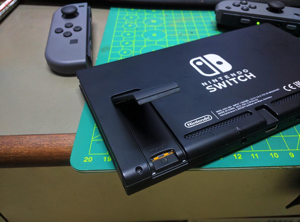 MicroSD位置