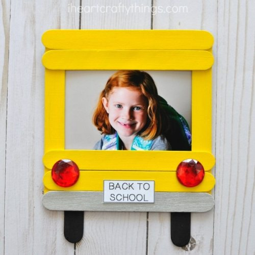 https://iheartcraftythings.com/diy-back-to-school-photo-frame.html