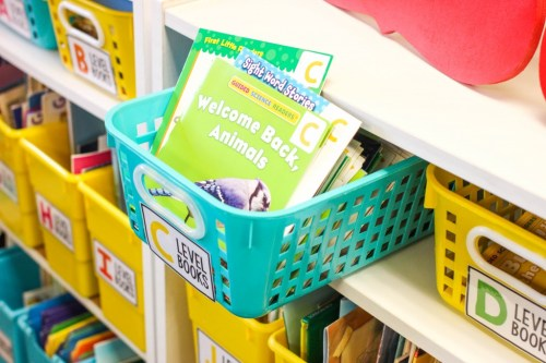 https://kindercraze.com/how-to-build-a-classroom-library/