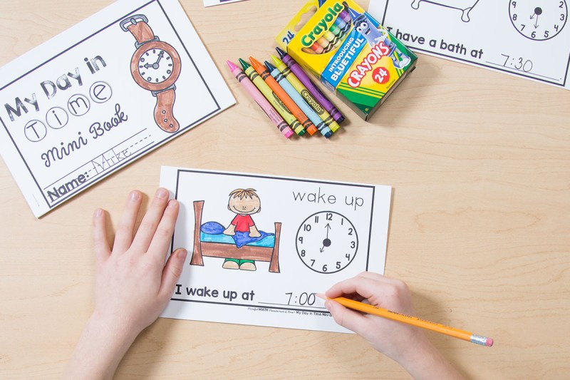 Telling Time Activities for Kids my day in time mini-book telling time activity
