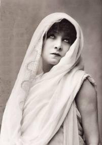 Sarah Bernhardt, un dels models de la Berma, a la Phèdre de Racine.