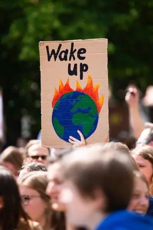 Bisogna agire per salvare il pianeta altrimenti sarà troppo tardi