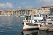 Bateau de pêche dans le Vieux-Port. Marseille. © Serge Panarotto.