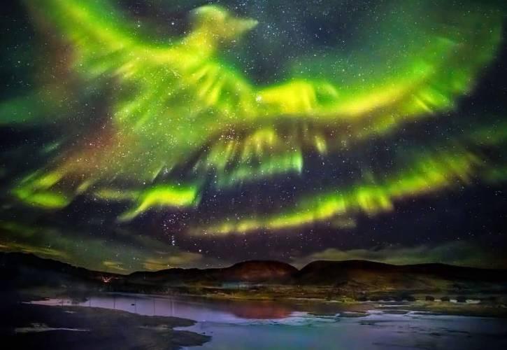 """オーロラ火の鳥""""フェニックス""""@アイスランド"""