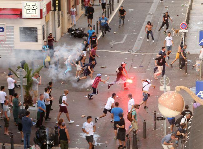 フランス ユーロ サッカー フーリガン 暴動 20161