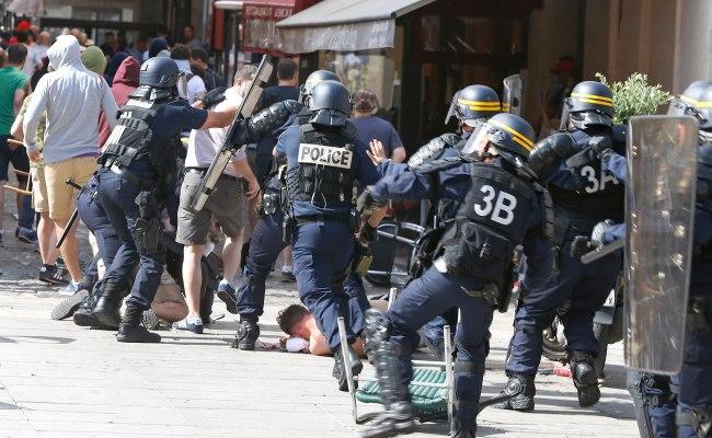 フランス ユーロ サッカー フーリガン 暴動 20163