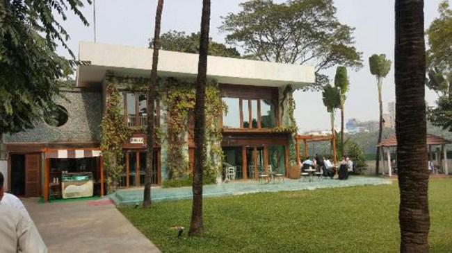 バングラディシュ テロの場所 レストラン カフェ
