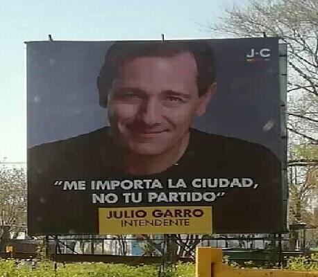 Garro juega al vecinalista y se despega de Macri y Vidal
