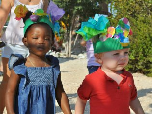 spring-bonnets-march-2013