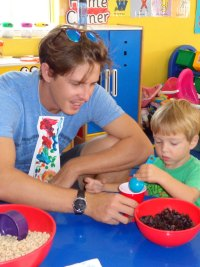 toddlers-doughnuts-for-dad-june-2015 (10)