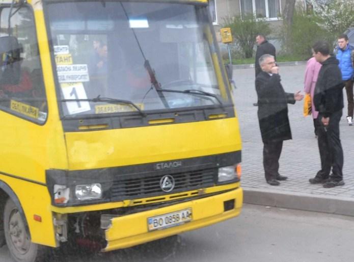 Маршрутка начальника управління транспорту збила студентку