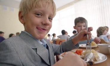 Що в тарілці у школяра?
