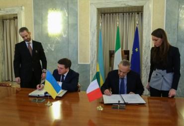 Українці зможуть їздити в Італії за українським посвідченням водія