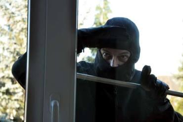Квартирних злодіїв, які обкрадали квартири тернополян, піймали на Хмельниччині