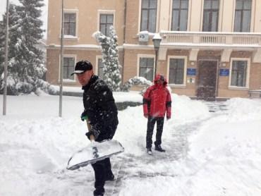 Тернопільські депутати послухали інформацію про сніговий колапс